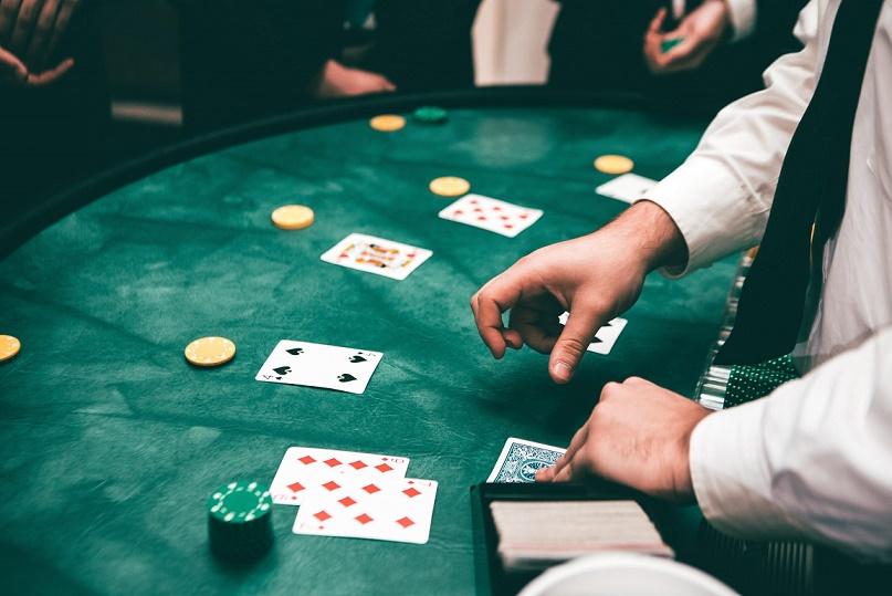 Conoce Reglas del Póker de 5 Cartas en Colombia